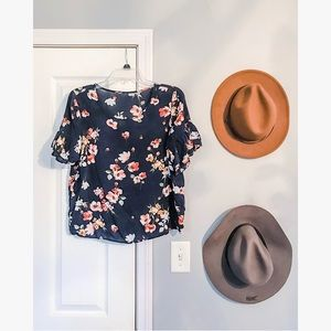 Tops - 3/$20  Floral Blouse • Ruffle sleeve detail